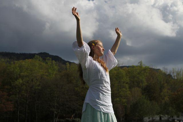 Pose of Praise Grace
